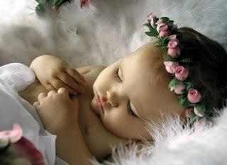 играть с маленьким ребенком во сне