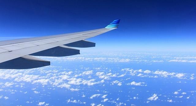 Видеть как летит самолет во сне thumbnail